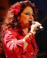 Gloria Estefan, interpretedel himno d'Atlanta