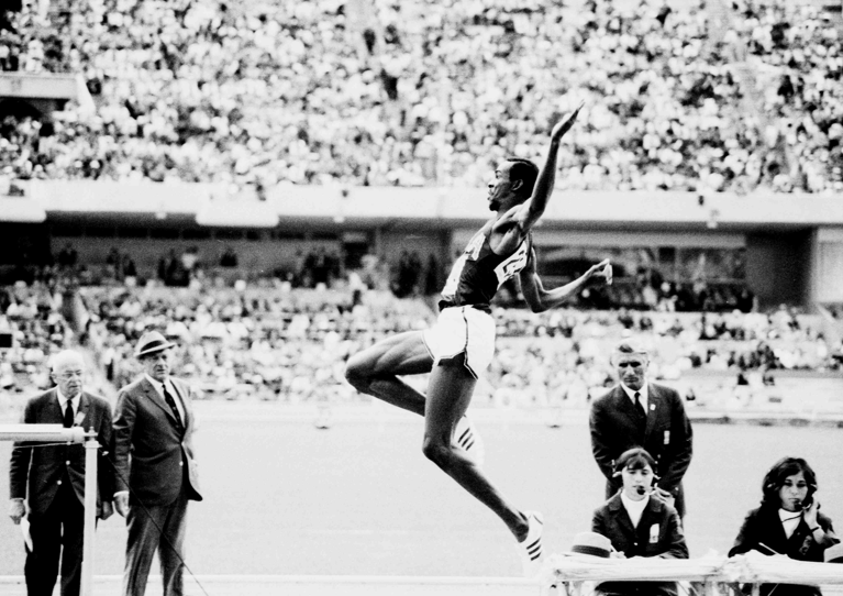 Longitud M Bob Beamon 2