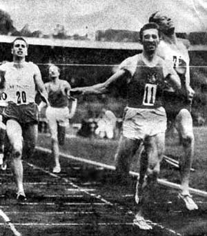 Barris winning the 1500 m in front of world record holders Dan Waern (Sweden) and Don Bowden (USA) during the July Athletics Games of 1958 in the Olympic Stadium, Stockholm