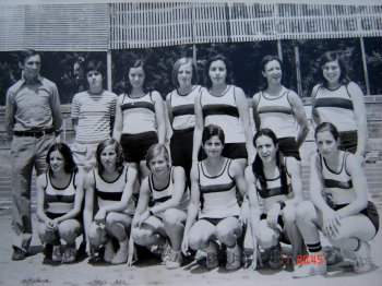 Barris with the C. A. Laietània women's team
